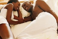 couple-talking-in-bed12