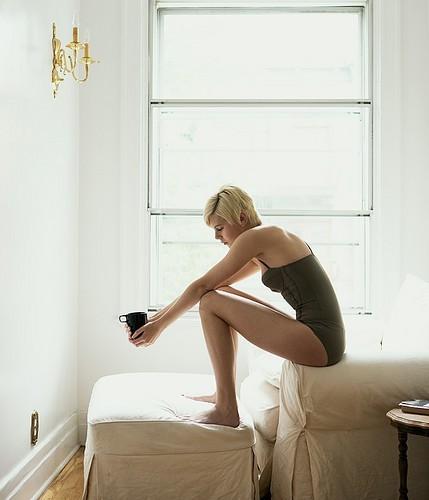 emotive,lonely,sad,woman,art,beautiful-a0249a0f917001d770d267377666fc86_h-1