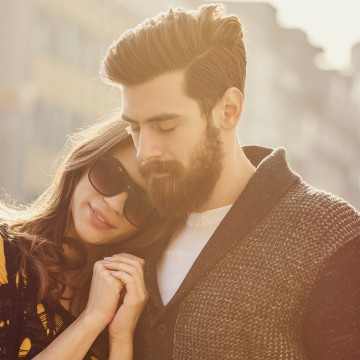 top-10-first-date-conversation-tips-1043485-OneByOne