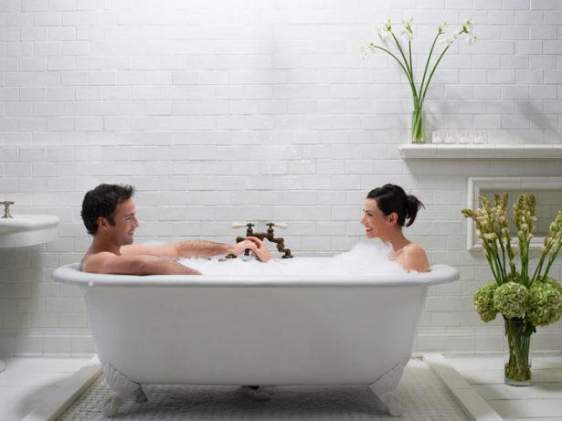 548b555352ff1_-_couple-in-bathtub-1-0110-msc