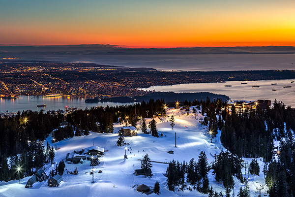 After A Day At Grouse Mountain Enjoy Dinner With Your Partner The Observatory Restaurant Where You Can Overlook Romantic Date Idea That